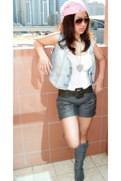 heather gray new look boots - heather gray Splash shorts - Ray Ban sunglasses -