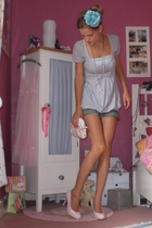 blue lace cami hollister top - pink platform pumps woorsin shoes