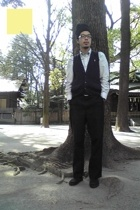 711 accessories - eastboy vest - Old Navy shirt - pants - Muji shoes
