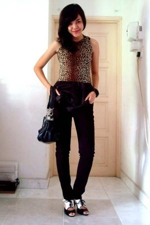 Topshop purse - Forever21 jeans - Hartamas top