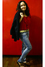 Red-naf-naf-blouse-blue-herbench-jeans-black-charles-and-keith-shoes-black