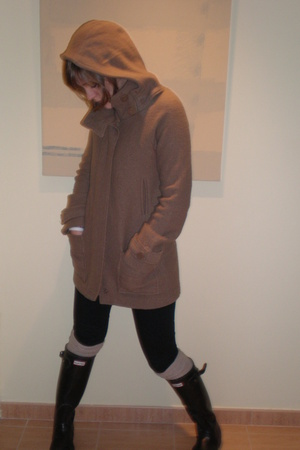 Zara coat - Zara pants - Calzedonia tights - Hunter