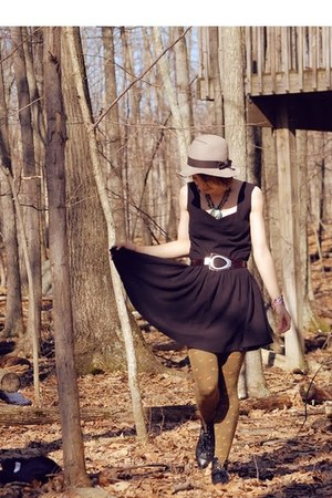 Aldo shoes - Pixie Market dress - H&M hat - fox print Anthropologie tights - abe
