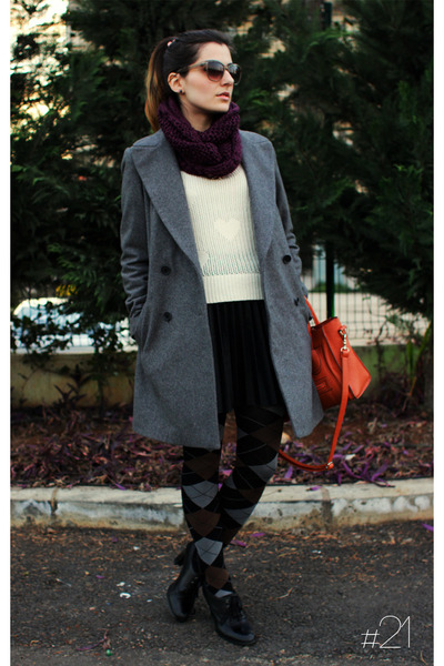 charcoal gray boyfriend fit Zara coat - ivory with hearts TSC sweater