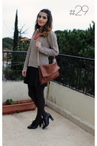 dark brown Carolina Herrera bag - beige H&M jumper