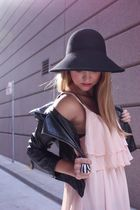 pink StyleSofia dress - black threadsence accessories