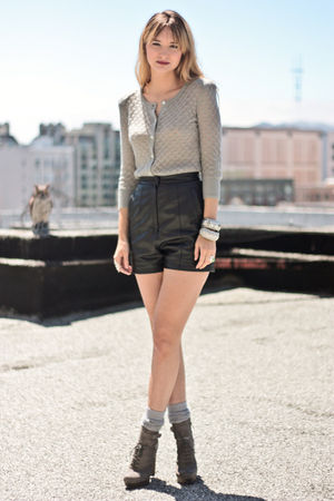 black vintage shorts - gray bird by juicy couture sweater - gray Falken Boot via