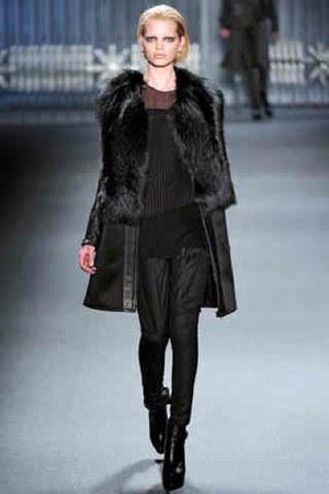 Black-vera-wang-coat