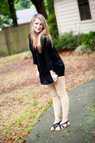 black button BB Dakota blouse - gold sparkle Urban Outfitters leggings
