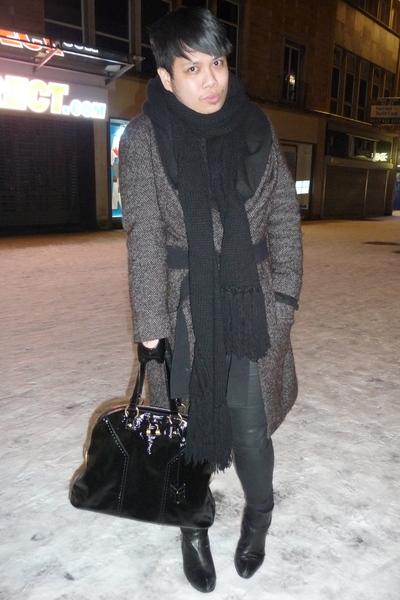 black muse bag Yves Saint Laurent purse - black red or dead boots