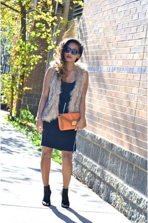 zippered H&M skirt