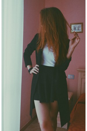 crop top white H&M top - black vintage coat - cotton Yesfor skirt