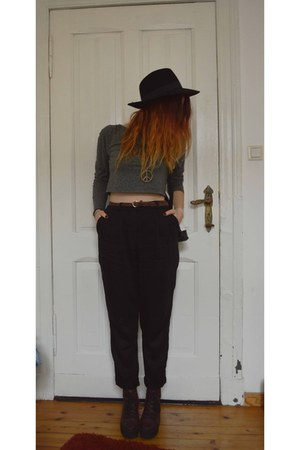 Forever 21 hat - black H&M pants