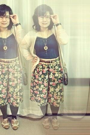 tonic shoes - Uniqlo leggings - Zara bag - Mahoroba belt - thrifted skirt - H&M