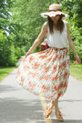 Salmon-bag-white-floral-skirt-skirt-beige-lace-top-urban-outfitters-top