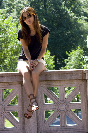 neutral bcbg max azria bag - tawny rachel roy sandals
