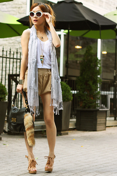 tan puffy shorts no name shorts - silver scissors Snoozer Loser scarf