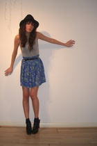 blue vintage skirt - black Topshop shoes - black relax garden hat - gray H&M top