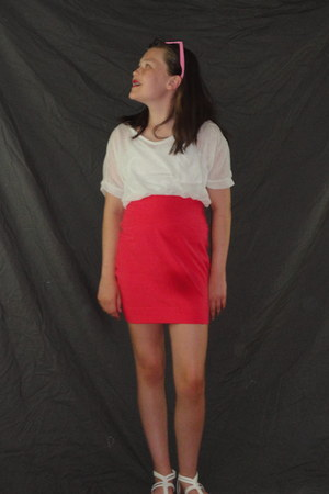 white kirra top - coral bodycon skirt