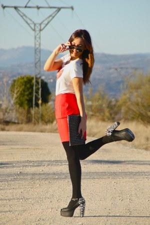 hip tee shirt - Foxy Spike heels - H&M skirt