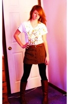 Hanes t-shirt - American Eagle skirt - vintage belt - vera wang leggings - Frye