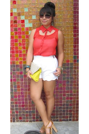 red blouse - white shorts - tan G by Guess heels - teal accessories