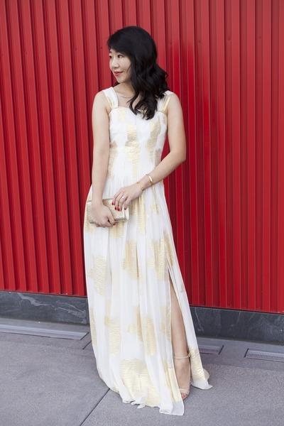 Diane Von Furstenberg dress - Tasha purse - Manolo Blahnik sandals