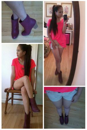 hi-lo neon H&M t-shirt - rag & bone boots