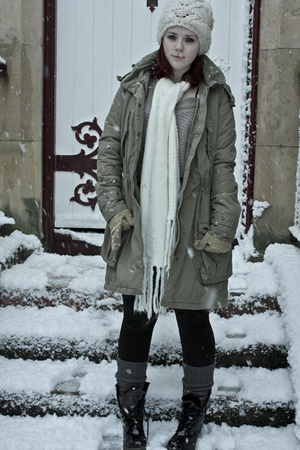 Levis coat - Topshop hat - TK Maxx scarf - Topshop leggings - Uniqlo socks - Doc