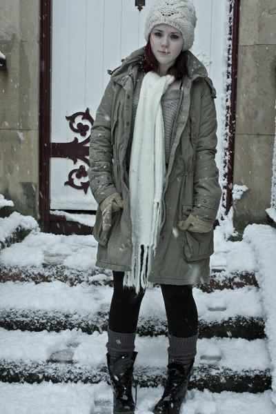 Levis coat - Topshop hat - TK Maxx scarf - Topshop leggings - Uniqlo socks - Doc