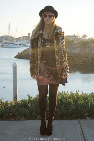 faux fur Forever 21 jacket - city scene Motel dress - grettta Steve Madden heels