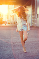 holographic Choies bag - nude Nelly White Label boots - diy cutoff Levis shorts