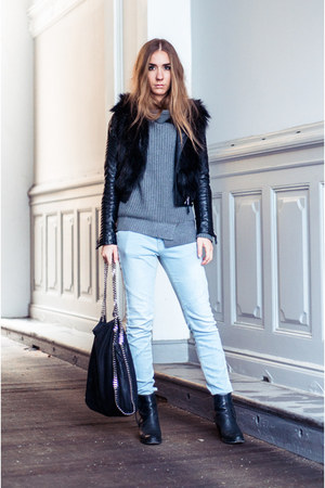 black pistol acne boots - light blue boyfriend fit Zara jeans