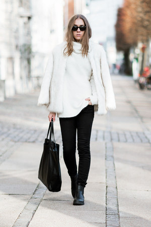 black chelsea DinSko boots - white faux fur choiescom coat