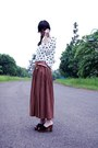 Gold-dr-rings-necklace-ivory-top-tawny-leather-belt-brown-maxi-skirt-bla