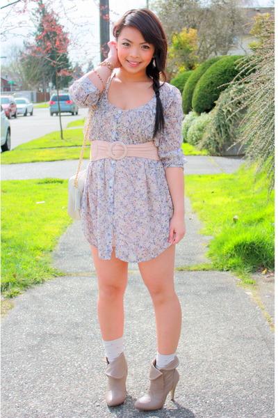 beige vintage purse - brown boots - pink H&M belt - blue Target dress - beige in