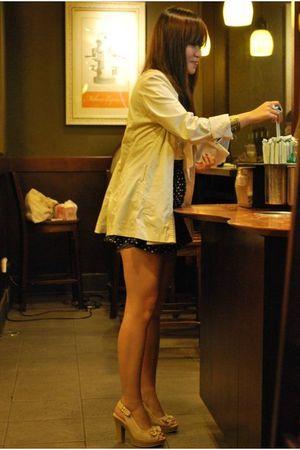 beige gift blazer - white top - black Zara skirt - beige birthday gift shoes - g