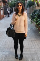Stradivarius bag - Stradivarius jumper - Bershka skirt