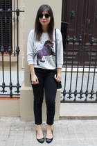 H&M sweatshirt - pull&bear jeans - asos sunglasses - H&M ring - Zara flats