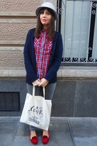 pull&bear shirt - Primark jeans - H&M hat - Zara jacket - Zara loafers
