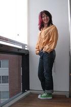 orange vintage shirt - green Converse shoes