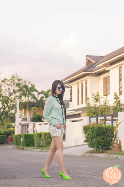 blue hearts zeroUV sunglasses - green neon romwe heels