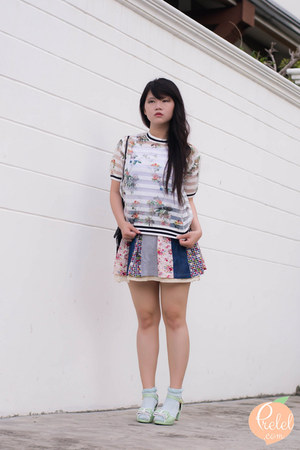 white floral Front Row Shop shirt