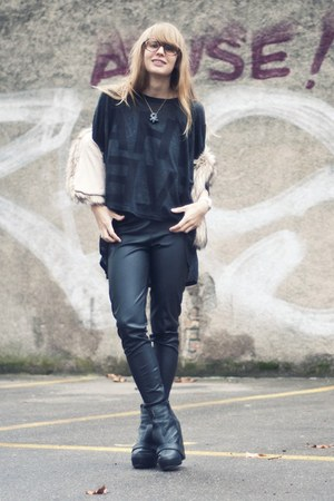 proopticals glasses - 5Preview t-shirt - Chicwish vest - Senso wedges