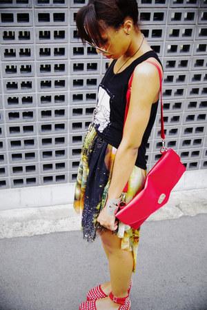 lime green galaxy print romwe skirt - red bag - black Nollie top