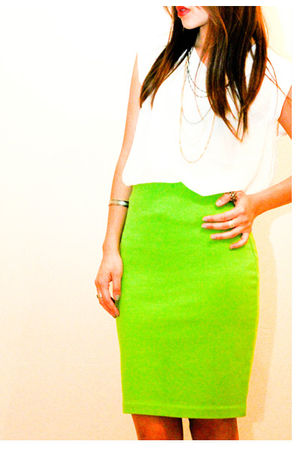 green adrienne vittadini skirt