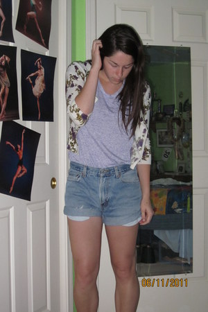 levis denim shorts - triweave purple t-shirt - cream floral cardigan