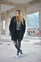 H&M coat - H&M jeans - Zara bag - Adidas sweatshirt - nike sneakers