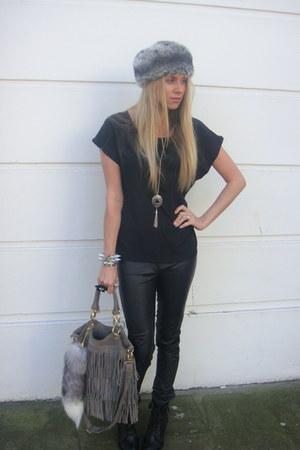 black f21 top - black H&M pants - gray Topshop bag - gray Primark hat - heather
