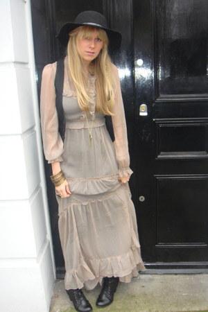 beige sheer asos dress - black H&M vest
